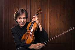 Kai-Gleusteen with Violin
